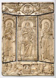 Hochrechteckige Elfenbeinplatte mit Jungfrau Maria zwischen Zacharias und Johannes dem Täufer